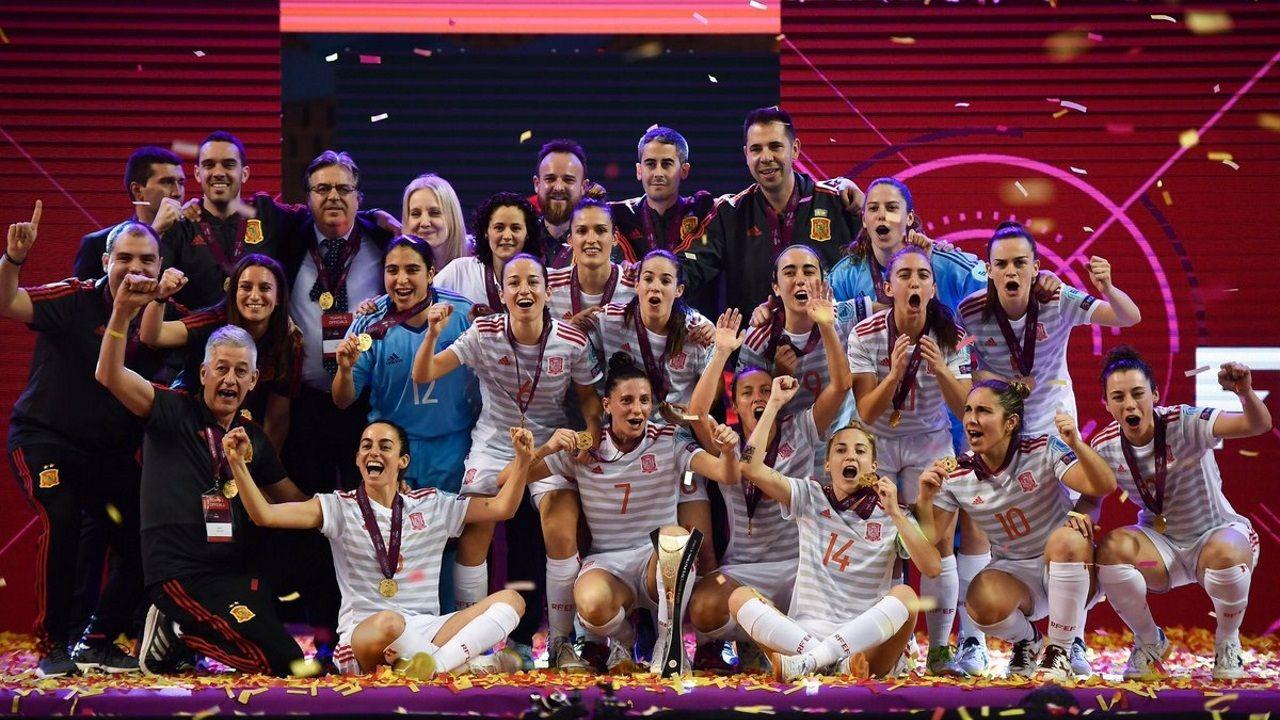 Diegui celebra su gol al Cádiz
