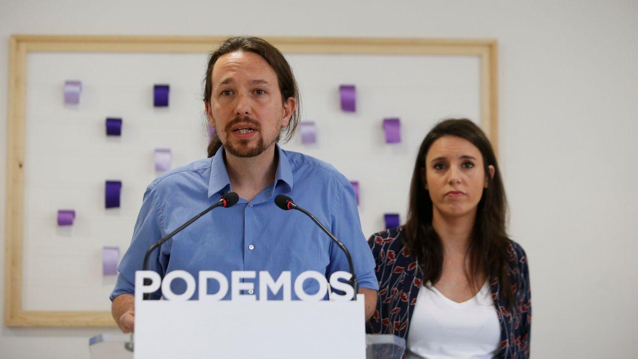 Manolita y Nair exportan la lucha de los vecinos de La Camocha.El Congreso rindió homenaje a las víctimas de los naufragios en Galicia y reconoció el «trabajo duro y sacrificado que realizan cada día las mujeres y hombres del mar»