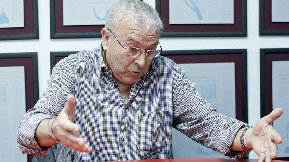 Iglesias a Felipe González: «El mayordomo de Carlos Slim no nos da lecciones de democracia».Camión de carbón volcado en una carretera