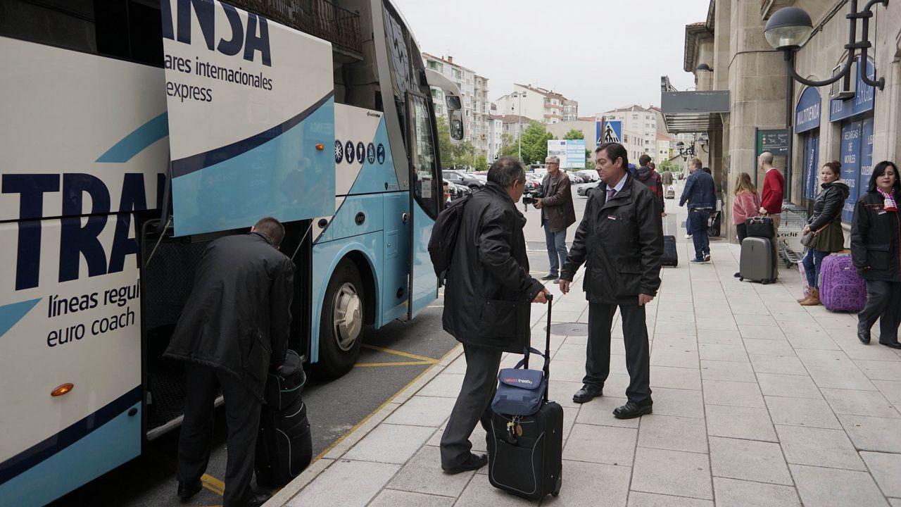 Accidente con tres muertos en la Ap-9 en Vigo.Traslado entre Ourense y Zamora en autobús el pasado 9 de mayo