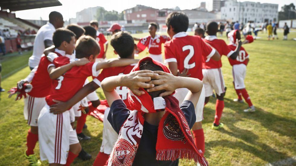 Finales torneo futbol Ciudad de Vilagarcía.Salvador Agra en un Huesca-Granada