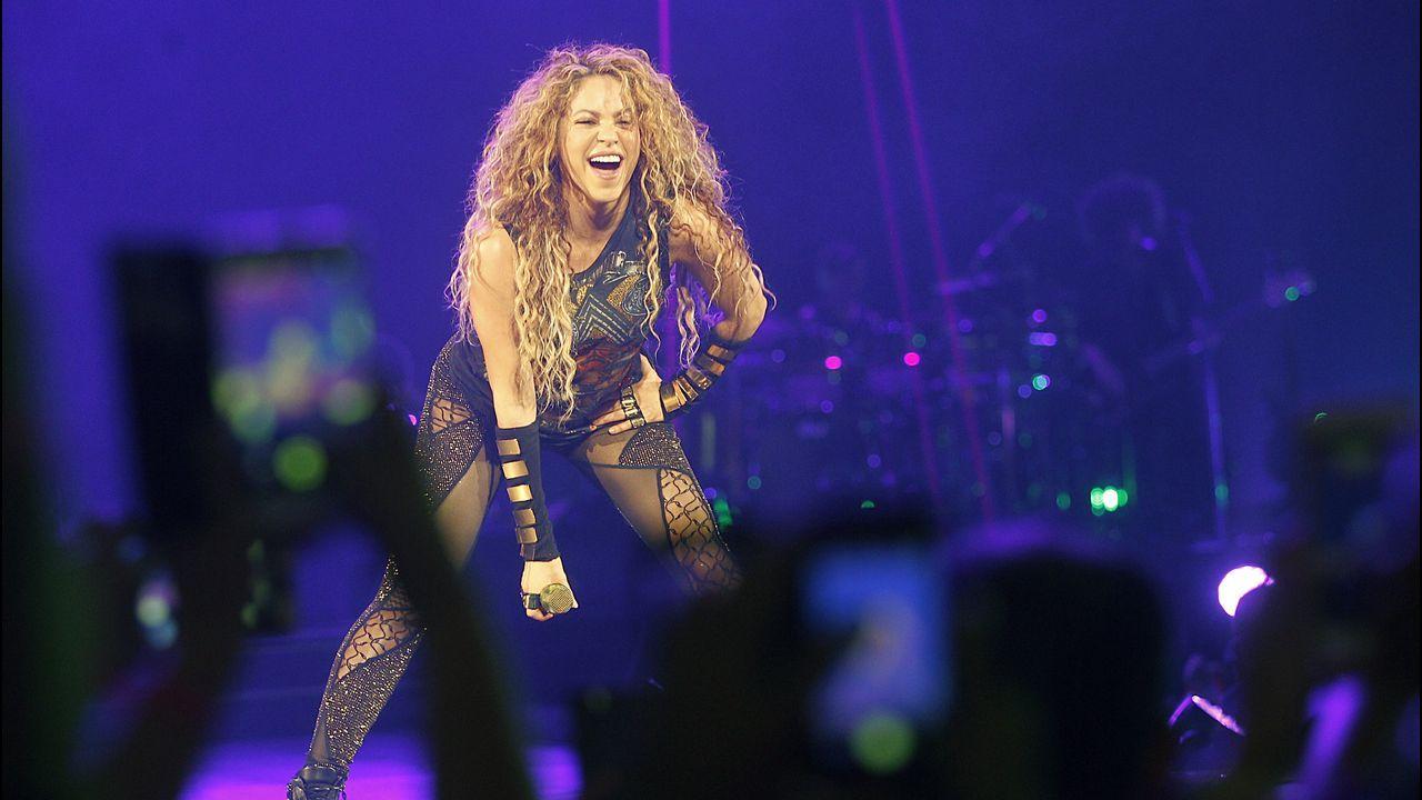 El huracán Shakira sacudió el Coliseo.Raquel del Rosario colgó una foto en la que aparece con sus pequeños
