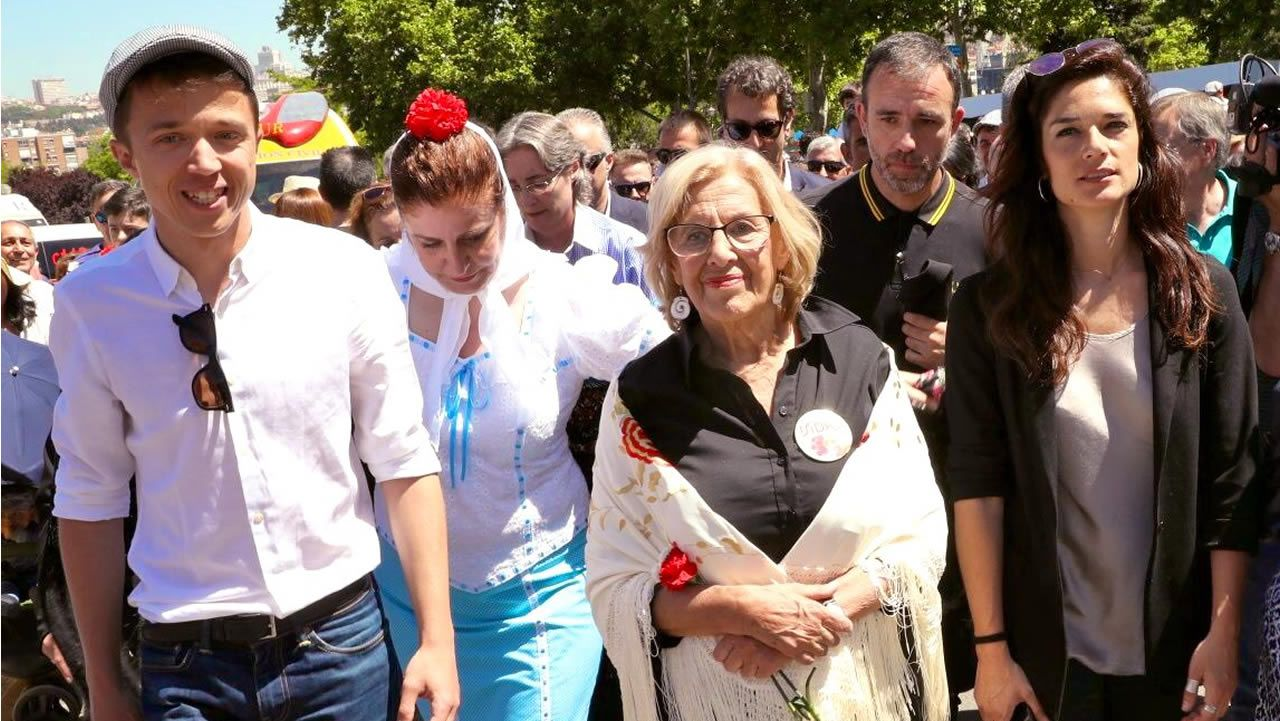Álvarez de Toledo incendia la campaña cuestionando a Rubalcaba.Manuela Carmena, junto a Íñigo Errejón, Esther Gómez Morante y Clara Serra Sánchez