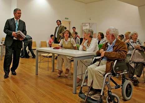 Foto Intifada.Xosé Chao Rego asistió a la presentación de su libro.