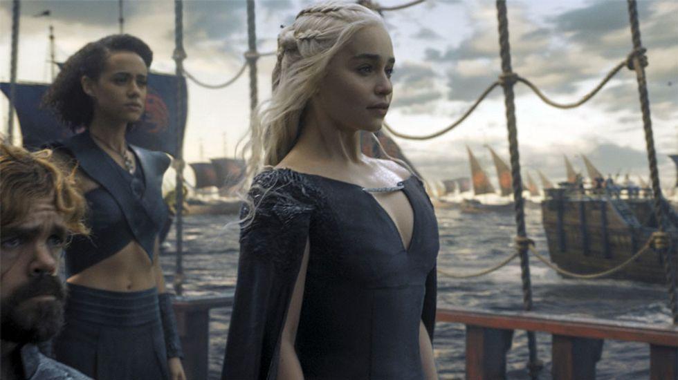 Las fuentes de Vigo que no funcionan.Daenerys frente al trono de Rocadragón, lugar desde el que planeará la reconquista de Poniente