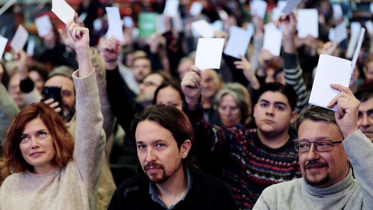 Pablo Iglesias, junto a Xavier Domenech y Elisenda Alamany durante la presentación del programa electoral para el 21-D