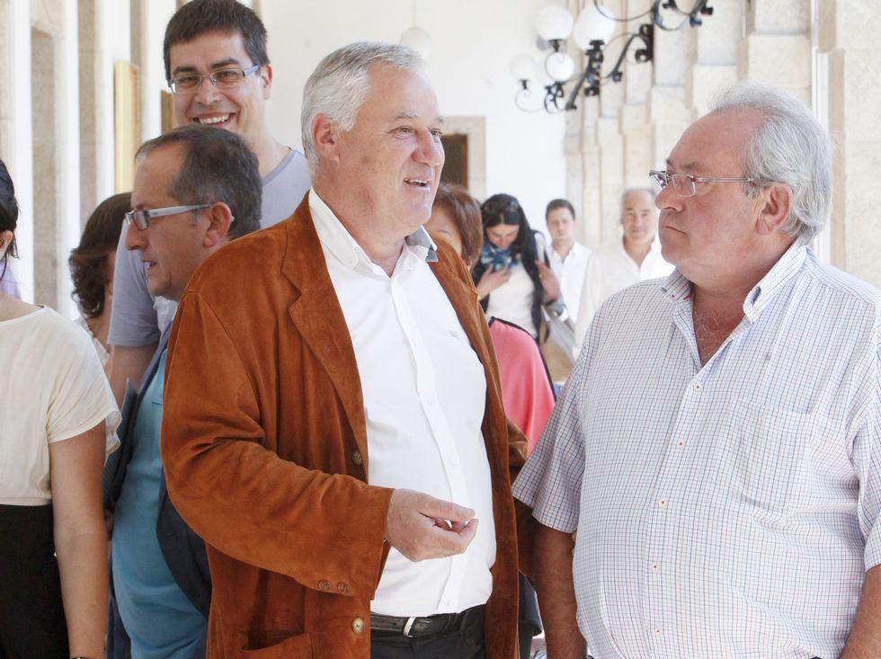 Imágenes que dejó el domingo a lo largo de la provincia.Martínez hablando con Sotuela el pasado domingo.