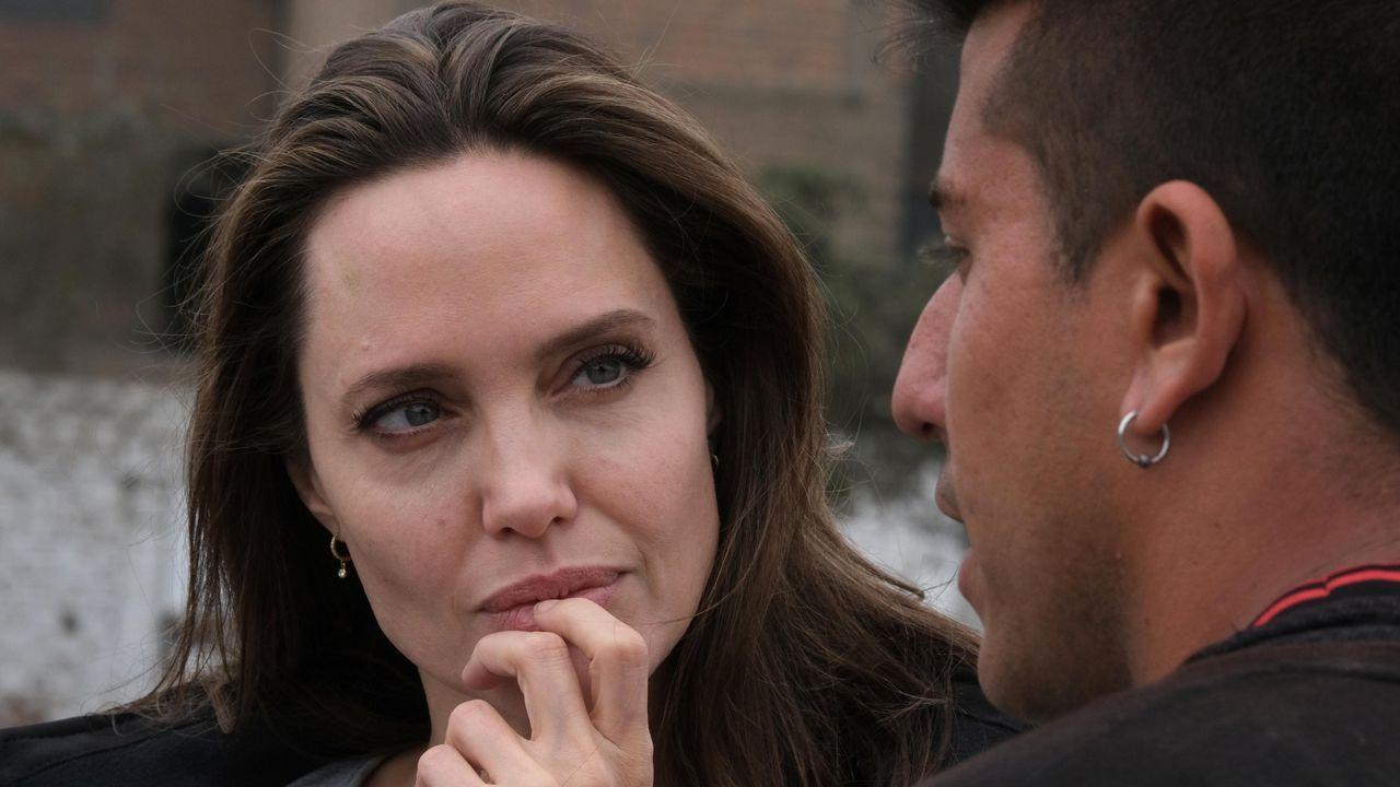 Angelina Jolie revela a su hijo Pax el secreto inconfesable sobre su adopción.Angelina Jolie y Brad Pitt
