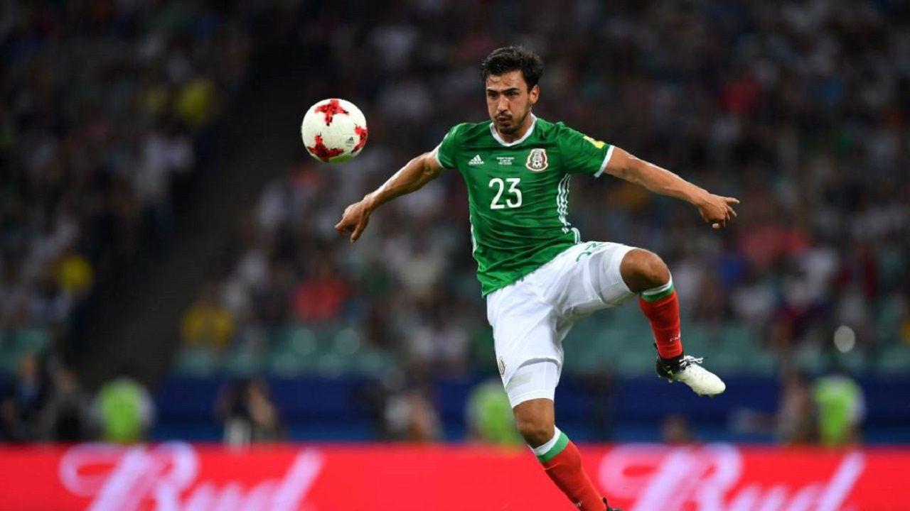 .Oswaldo Alanís en un partido con México