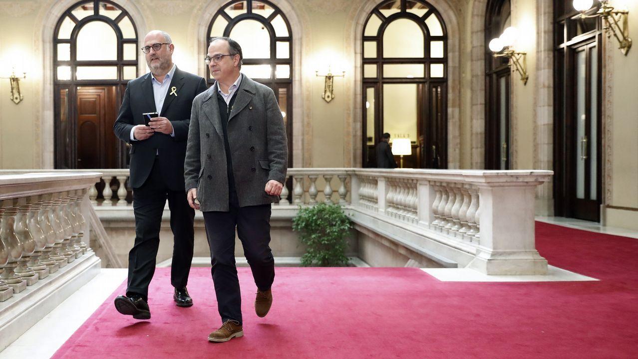 En directo, pleno de investidurade Jordi Turull.El cabeza de lista de la CUP. Carles Riera, junto a Vidal Aragonés y Natalia Sánchez.