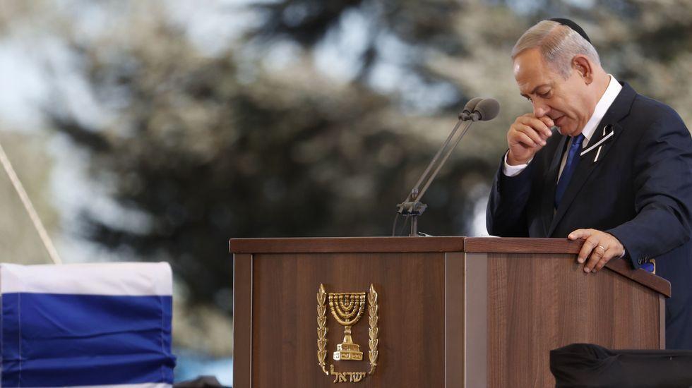 Netanyahu se emociona en un momento del homenaje a Simon Peres