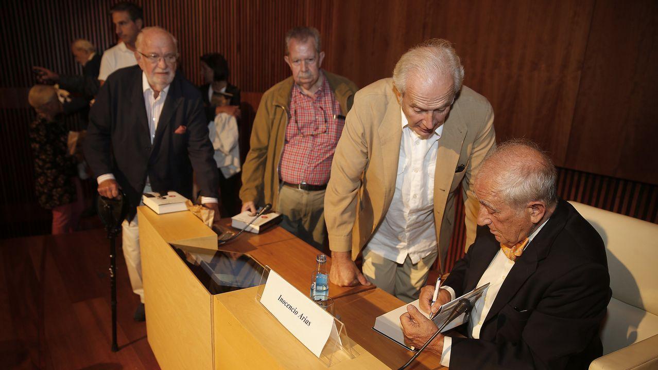 El lapsus de Pedro Sánchez durante el besamanos en el Palacio Real.Sanchez saluda al presidente de Cuba, Miguel Díaz-Canel