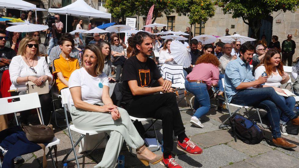 Pablo Iglesias, sobre las donaciones de Amancio Ortega: «La sanidad no puede depender de ningún millonario».Los alcaldes de Ferrol, Santiago y A Coruña durante una comparecencia en 2016