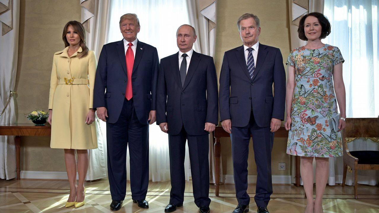 El presidente finlandés, Sauli Niisto y su esposa Jenni Haukio reciben a los presidentes de EE.UU. Donald Trump y de Rusia, Vladímir Putin, y a la primera dama estadounidense Melania Trump