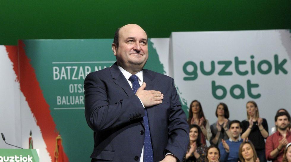El acto de Podemos por el Aberri Eguna tuvo muy poco público