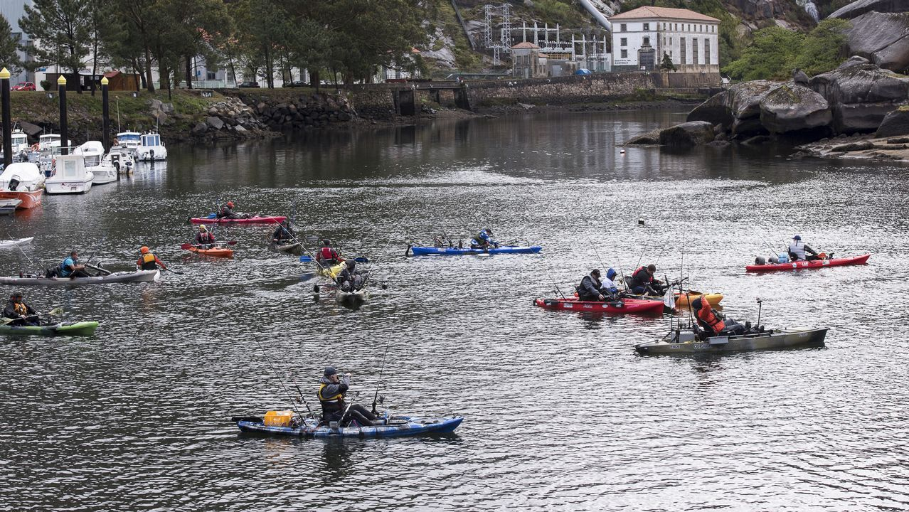 Expomar se abre al sector pesquero en Burela.Panorámica tomada desde la Campa de Torres del puerto de El Musel de Gijón