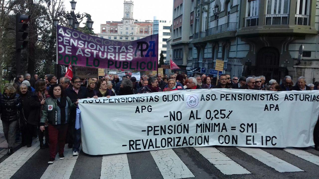 Manifestación de pensionistas en Oviedo.Concetración en Oviedo en defensa de las pensiones
