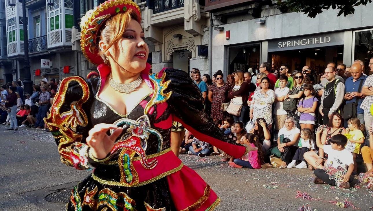 Bailarinas de México en el Día de América en Asturias 2018