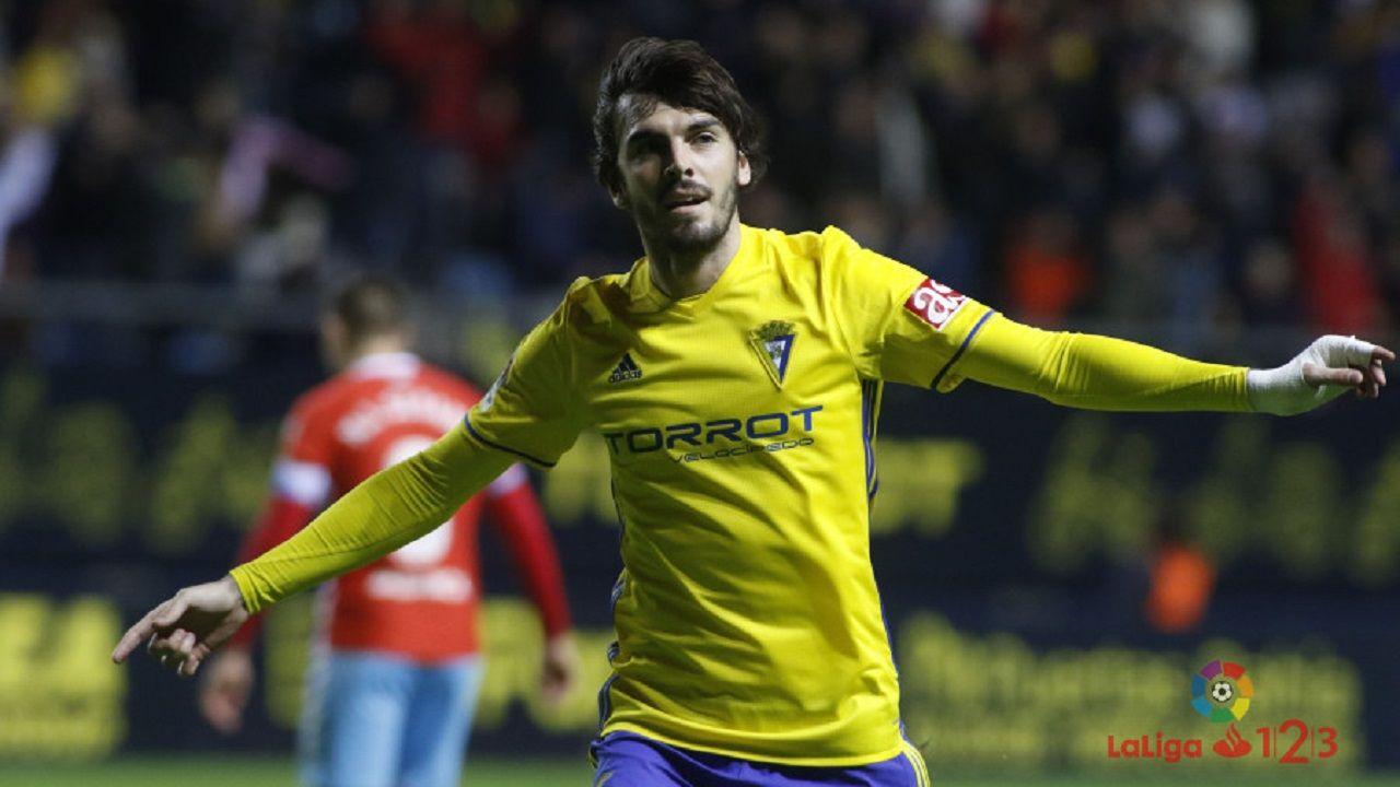 Eugeni celebra su gol al Lugo