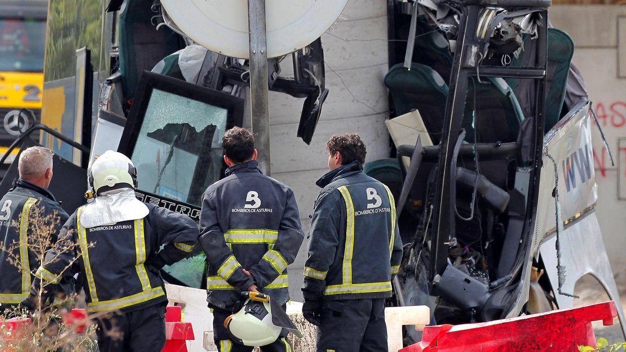 ¿Cómo se produjo el accidente?.Entrada al Hospital de San Agustín, en Avilés, donde se atiende a las víctimas del accidente