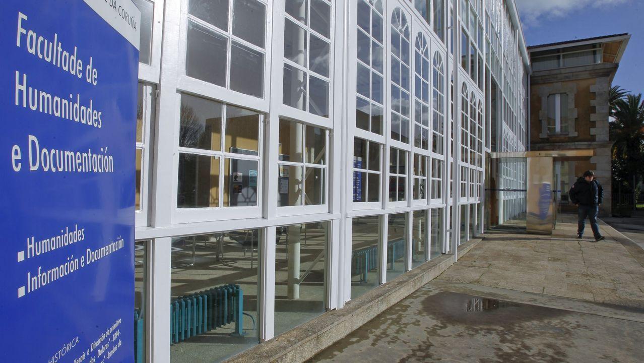 En directo enLa Madriguera de «skate» de Ferrol.La titulación de Humanidades se imparte en Ferrol desde hace veinticinco años