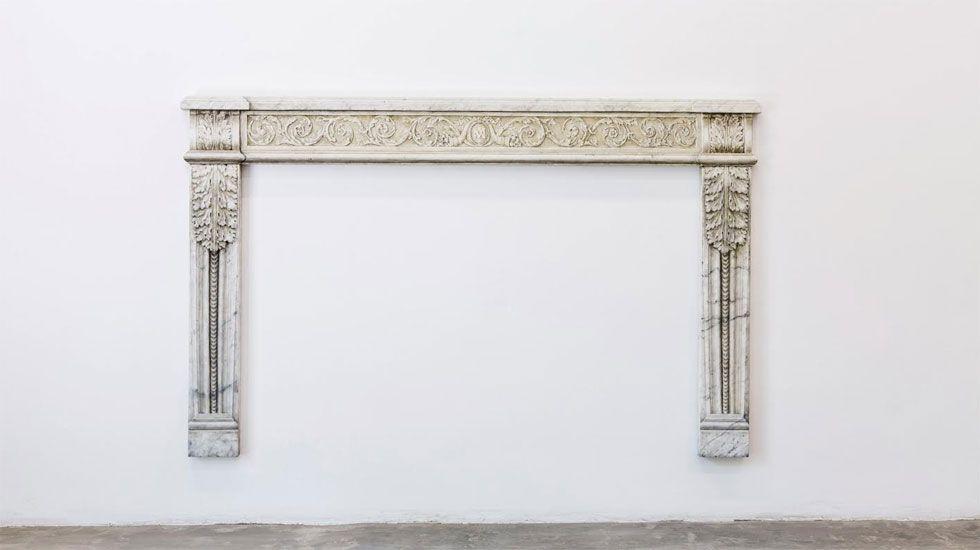Miquel Molínsexplica «Estancias», muestra de la colección Banco Sabadell en Oviedo.Obra de Luis Hortala perteneciente a la colección Banco Sabadell