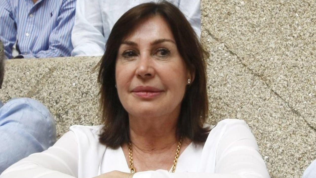 Carmen Martínez-Bordiú, nueva duquesa de Franco.Jesús Domínguez, portavoz de la plataforma de víctimas, hubiese querido que los responsables políticos pidiesen perdón y dimitiesen