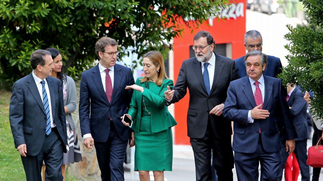 Rajoy en Vigo: «Cataluña necesita un gobierno viable capaz de dialogar».Simposio sobre ciencias marinas