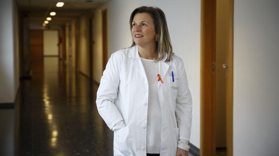 Los pacientes esperan en una de las salas de espera de las consultas externas del HUCA.Manifestación por el orgullo LGTBI en Oviedo