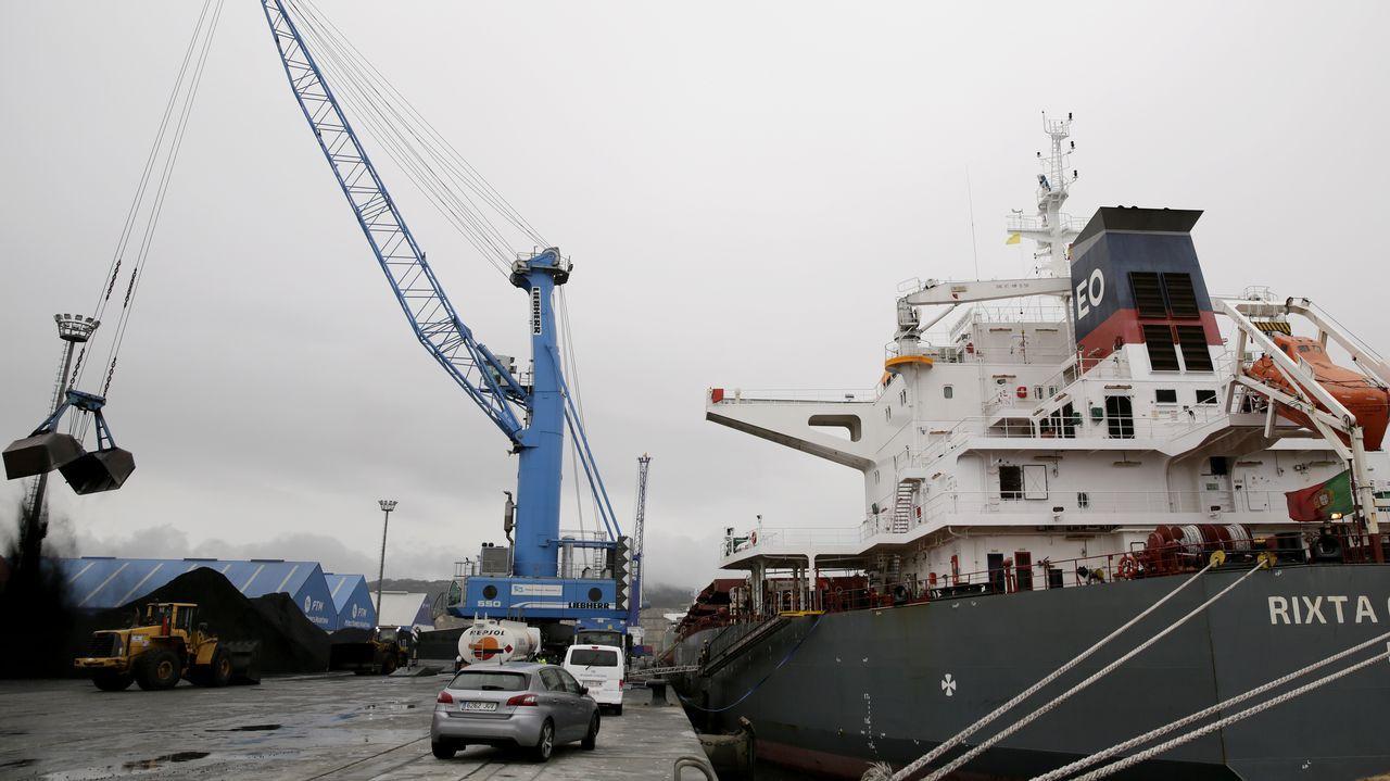 El helimer de Salvamento Marítimo de Gijón.Punta Langosteira