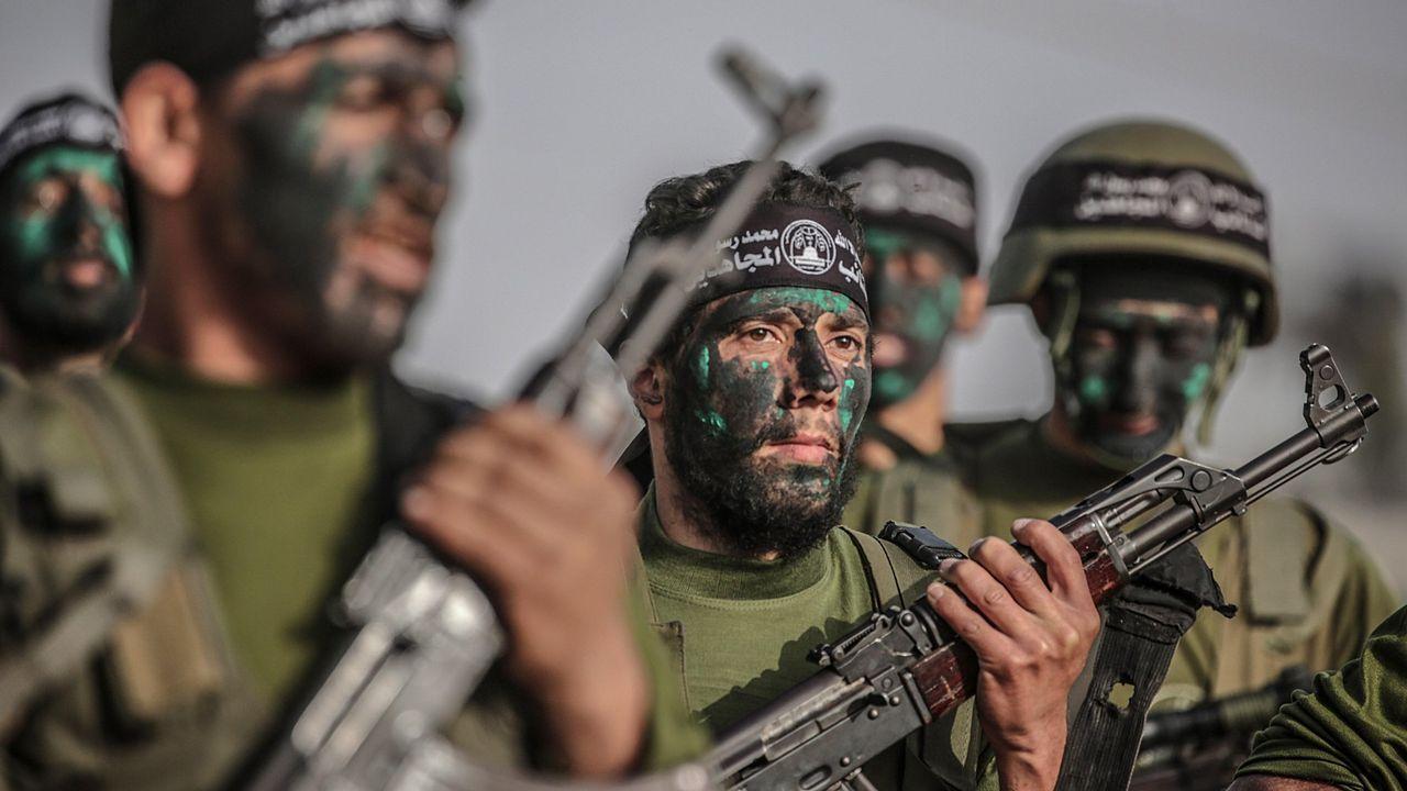 Parque de «Cuéntame cómo pasó» en Cerponzóns.Combatientes de Hamas en un ejercicio militar en la Ciudad de Gaza