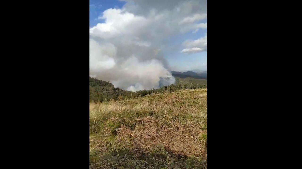 Estado del incendio declarado en el Monte Sollera.Fernando Aguado, director de los proyectos de satélites de la Universidad de Vigo