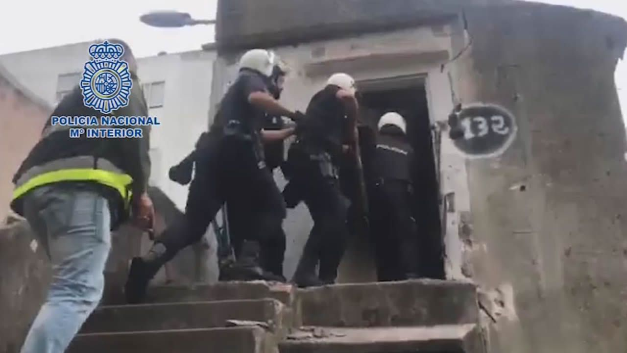 Dos detenidos por venta de drogas cerca de colegios de Vigo.