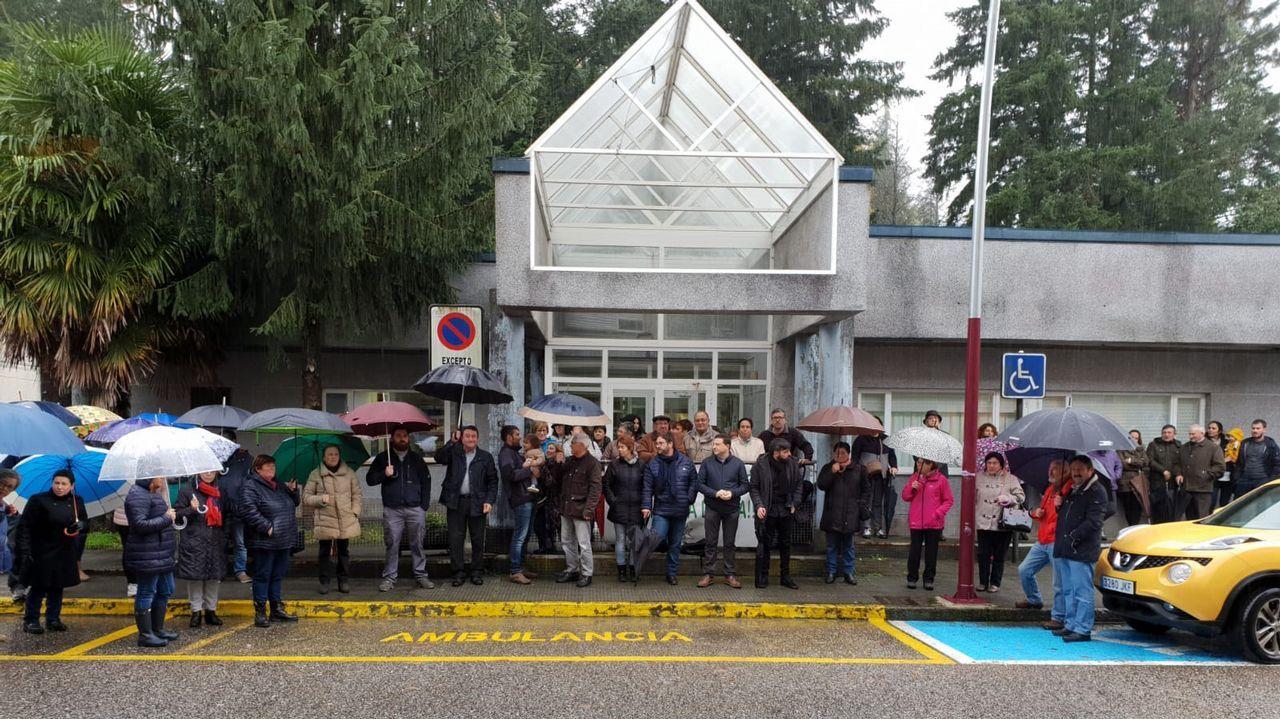 Concepción Pichel celebrando sus 110 años a ritmo de pandereta