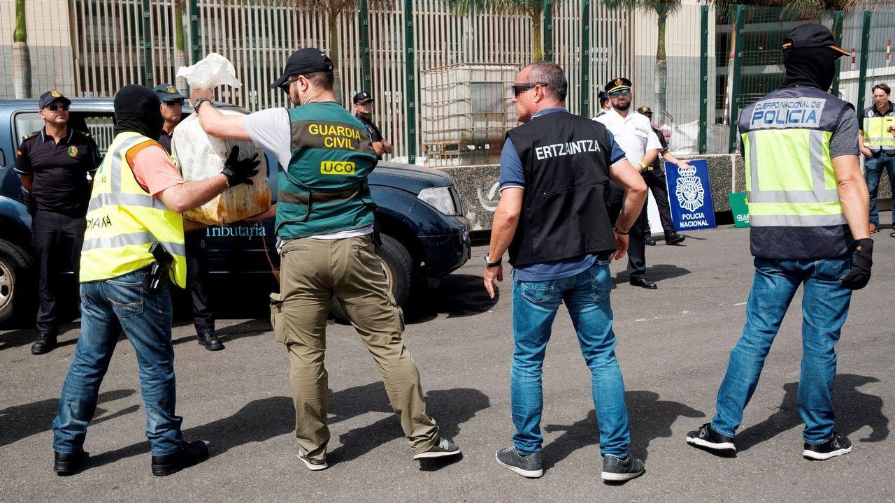 La llegada de la droga del Titán Tercero a España.Imagen de archivo de las enfermeras del Hospital de Día de Oncología en el Materno