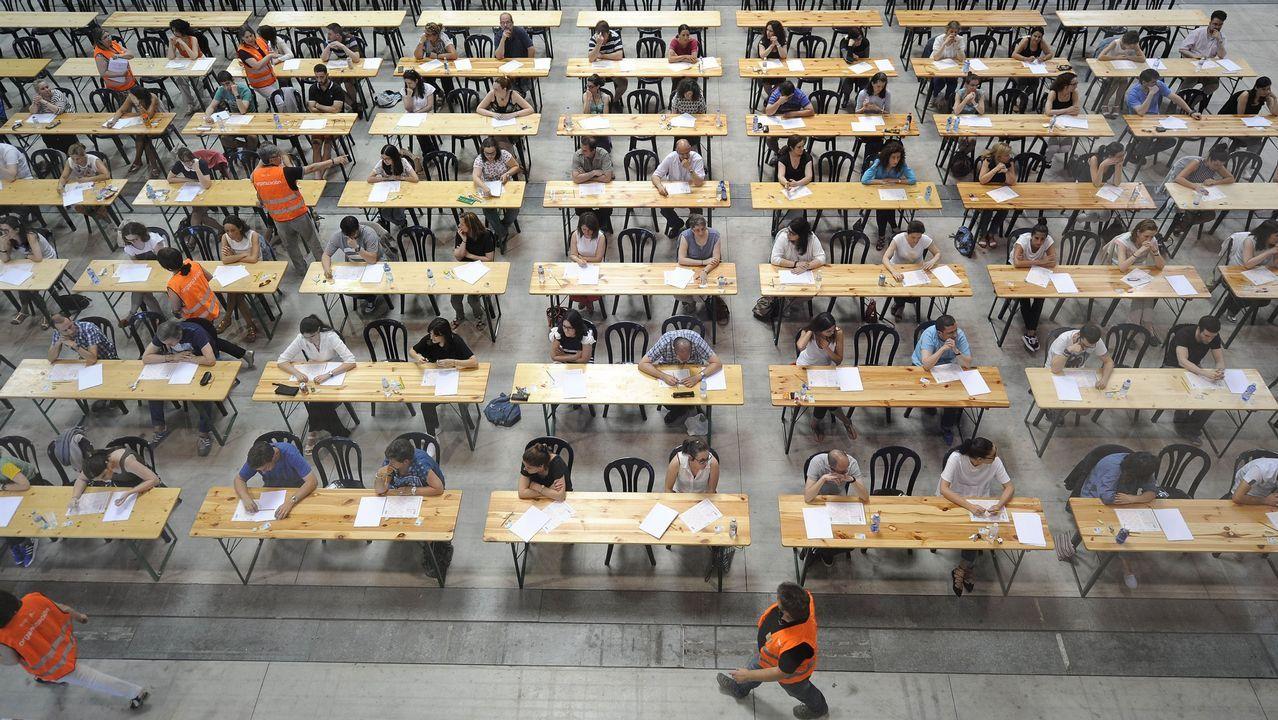Imagen de archivo de unas oposiciones realizadas en Silleda.La Facultad de Economía y Empresa de la Universidad de Oviedo, situada en el campus de El Cristo
