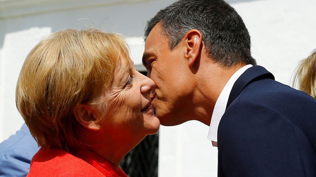 Visita de Angela Merkel a España para reunirse con Pedro Sánchez.