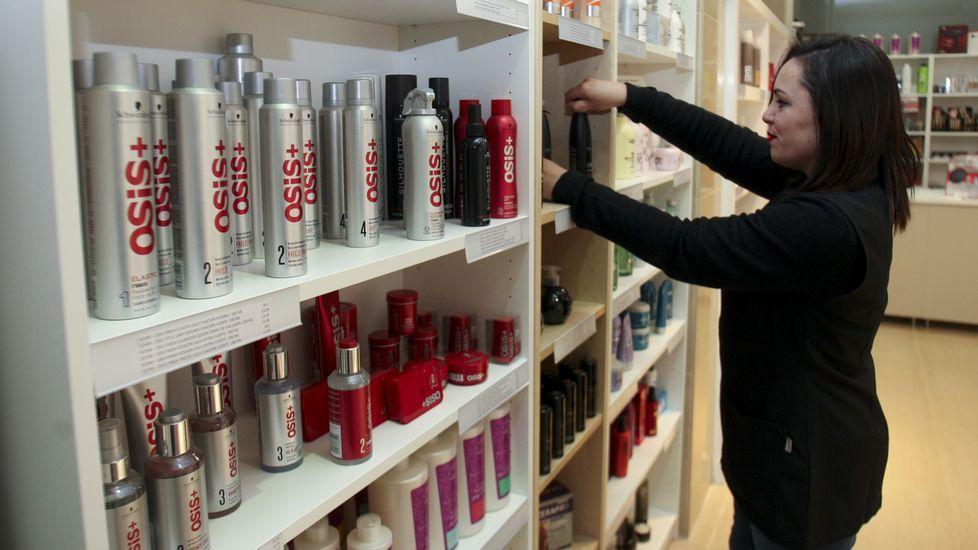 Bellezia. La tienda de María Pareja es la última apertura. Dedicada al sector de la peluquería, ha tenido «muy buena acogida».