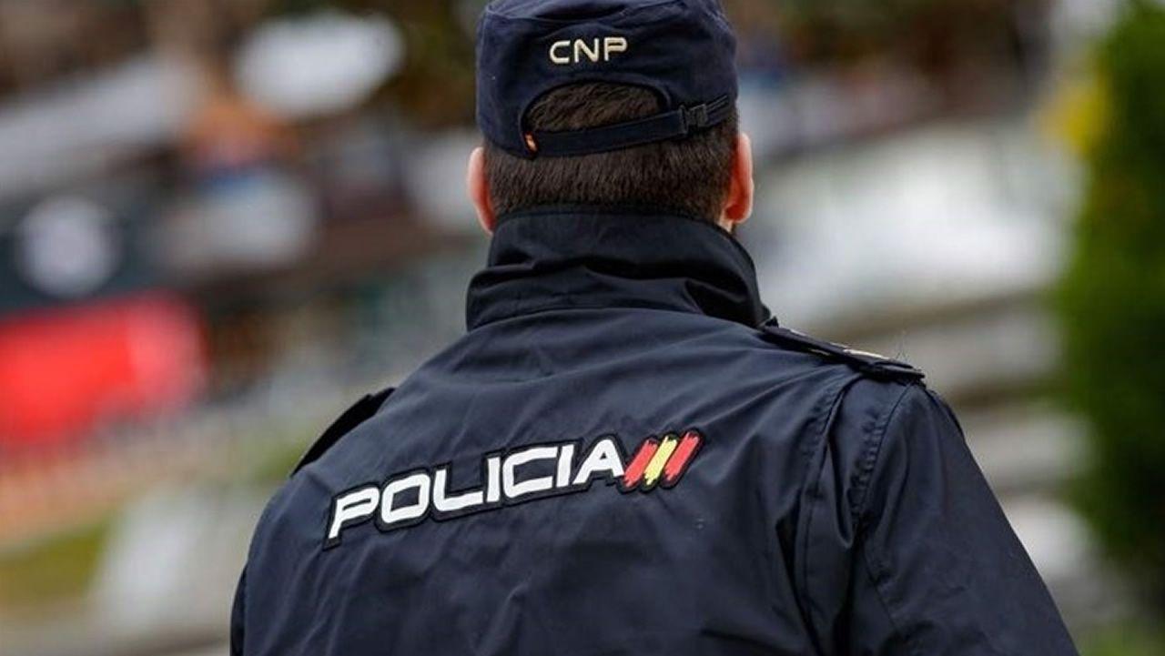 Los agentes buscan a varios sospechosos