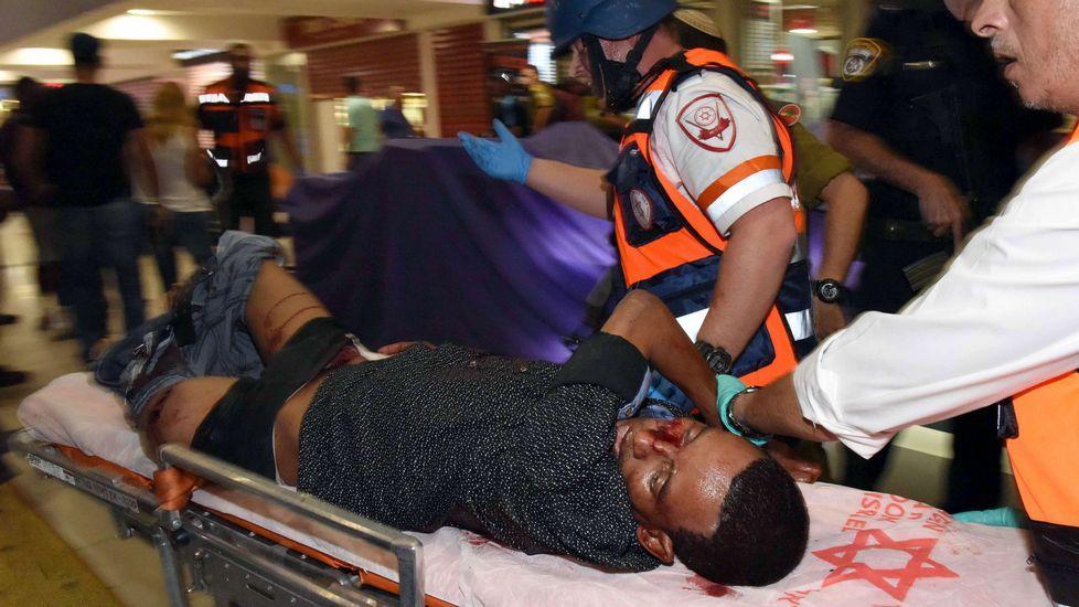 Israel investiga el linchamiento contra un inmigrante tomado por terrorista.Benjamin Netanyahu ha matizado sus palabras.