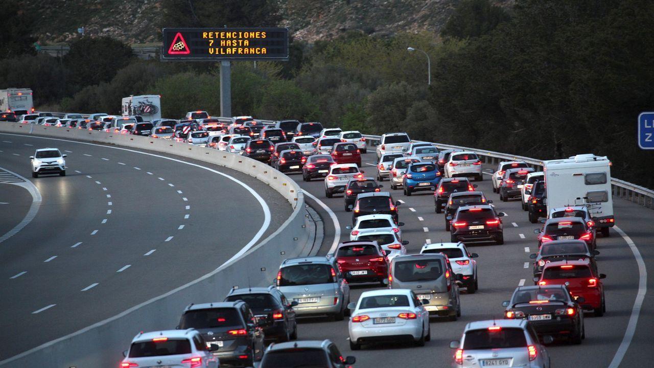 Retenciones en la AP-7 en Tarragona después de que un grupo de los CDR ocupasen el peaje