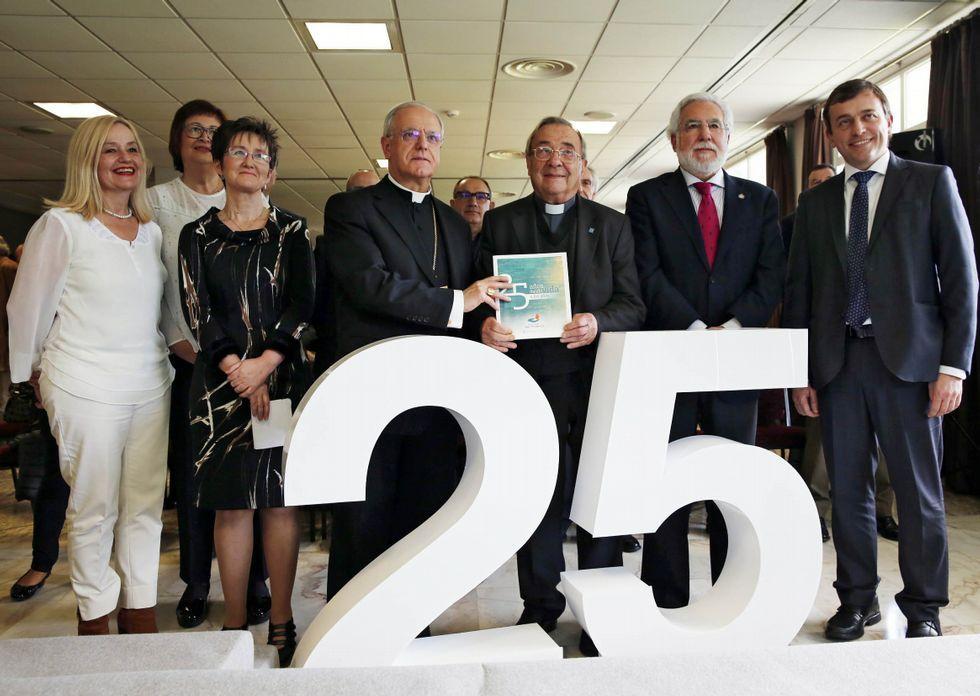 Presentación del libro «25 años dando vida a los años»