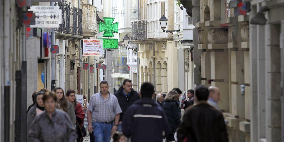 .La calle Pastor Díaz sigue siendo el tramo comercial con los precios más caros de alquiler de todo el municipio de Viveiro.