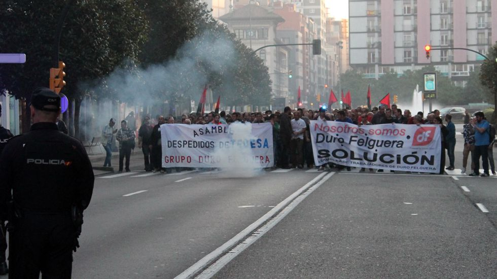 .Trabajadores de Duro Felguera se manifiestan en Gijón