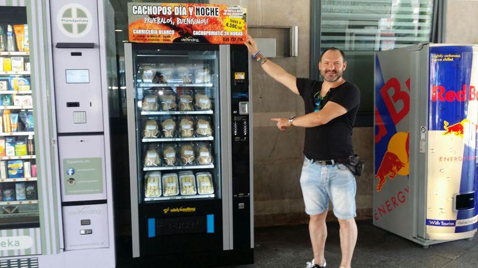 La nueva máquina expendedora de cachopos en la estación de autobuses de Oviedo.La nueva máquina expendedora de cachopos en la estación de autobuses de Oviedo