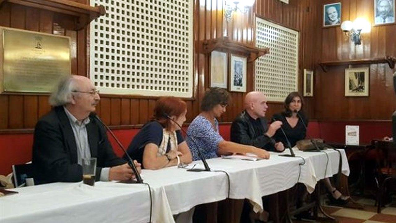 Jesús Ferrero interviene en el Café Gijón tras la concesión del premio de novela que lleva el nombre del establecimiento