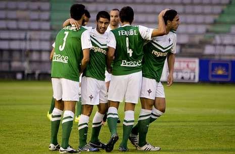 Las mejores imágenes de los partidos entre el Racing de Ferrol y el Compostela.Los ferrolanos necesitarán jugar a su mejor nivel para superar a un equipo de Segunda.