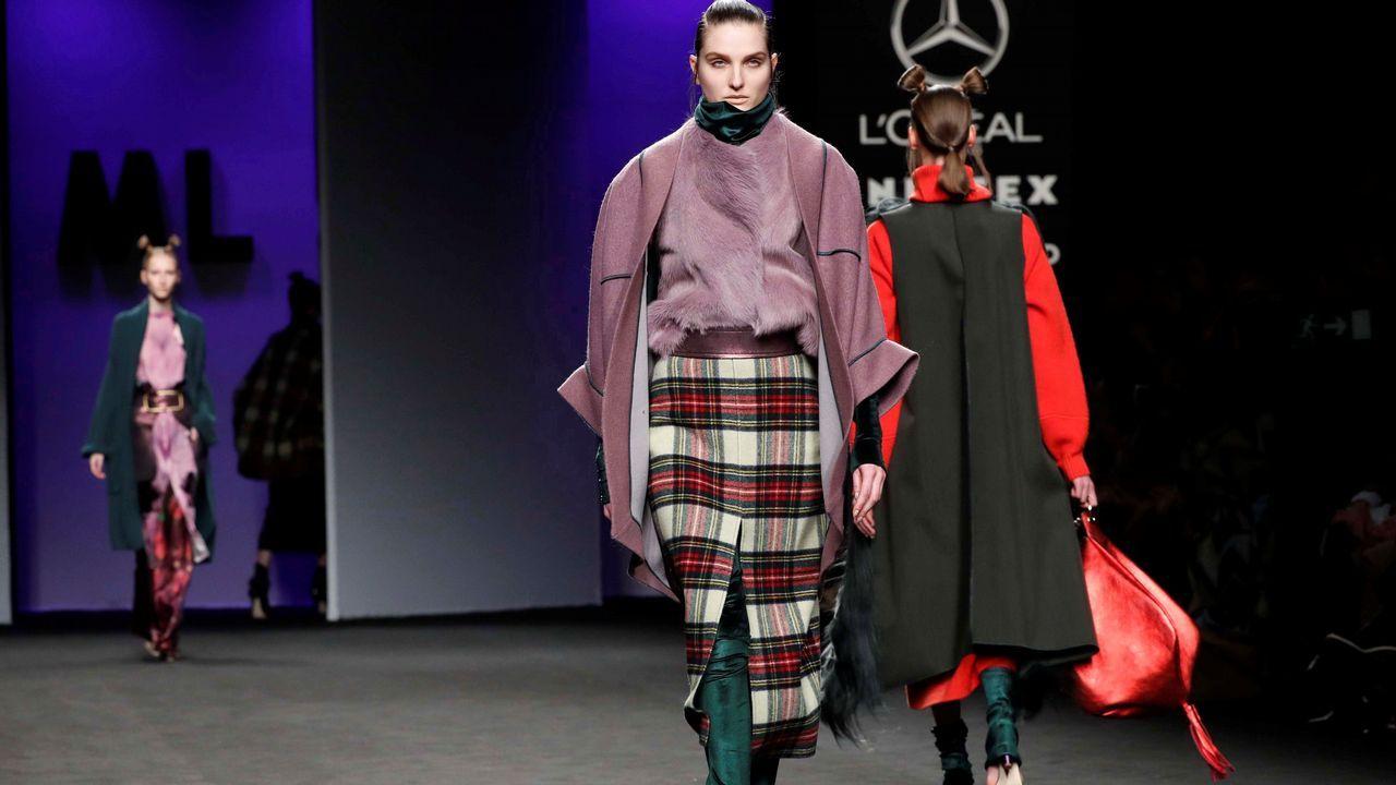 Así fue el desfile delos diseños de Marcos Luengo en la Madrid Fashion Week.Fotograma del filme «Un asunto de familia».