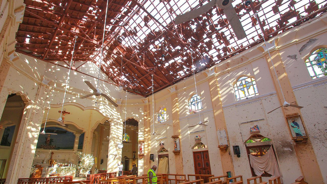 Más de 200 muertos en Sri Lanka en una cadena de ocho ataques terroristas.Calle de Oviedo