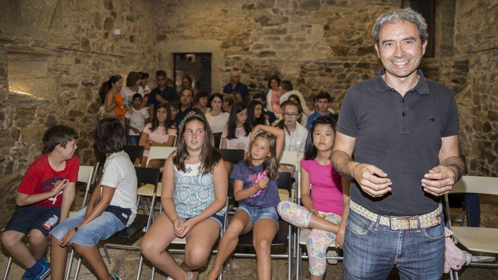 El arquitecto Francisco Vidal en el Simposio Dolmen de Dombate